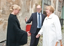 Õnnitleb Liivia Preast, endine töötaja