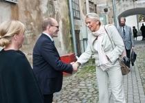 Õnnitleb T.E. Lise Nicoline Kleven Grevstad, Norra suursaadik Eestis