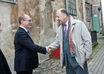 Õnnitleb Ott Kasuri Eesti Omavalitsuste Liidust