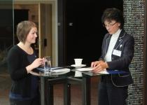 Norra Kuningliku Saatkonna 1. sekretär pr Ingrid Susanne Farner (paremal)