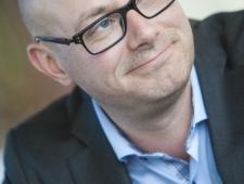 Johan Linander, Rootsi parlamendisaadik; Läänemeremaade parlamentaarse konverentsi inimkaubanduse raportöör