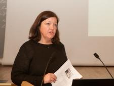 Lotte Lykke Simonsen, kirjastus Lindhardt & Ringhof/Carlsen, toimetaja ja raamatukoguhoidja