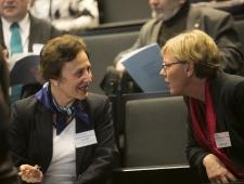 Klára Fóti, Euroopa Elu- ja Töötingimuste Parandamise Fondi teadur ning Catrine Bangum, Põhjamaade Ministrite Nõukogu vanemnõunik