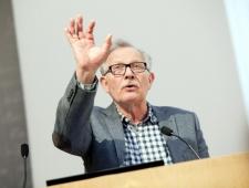 Søren Vinterberg. Tõlkija ja päevalehe Politiken kriitik