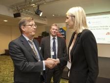 Tervitavad Põhjamaade Ministrite Nõukogu Eesti esinduse direktor Christer Haglund ja EV majandus- ja kommunikatsiooniminister Urve Palo