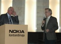 Halldór Ásgrímsson (vasakul) ja moderaator Tiit Kallaste, SEIT