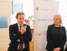 PMN peasekretäri büroo juht (chief of staff) Kenneth Broman ja Põhjamaade koostöö komitee liige Anne Sofie Bjelland