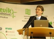 Rene Tõnnisson, konverentsi moderaator Tartu Teaduspargist
