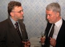 Hr Uffe A. Balslev (Taanis suursaadik Eestis) ja hr Aleksi Härkonen (Soome suursaadik Eestis)